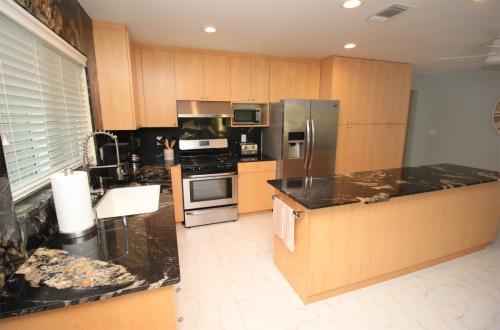 616 106th Avenue N Photo 1