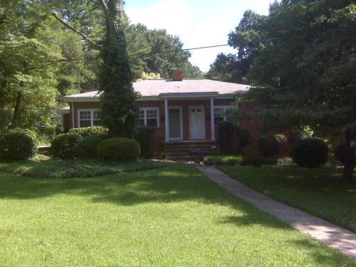 2917 Wade Ave Photo 1