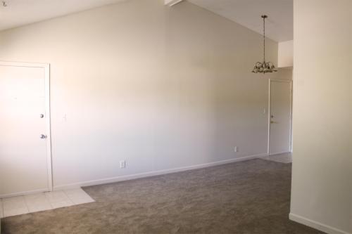 2 Bedroom 300 W Mound Photo 1