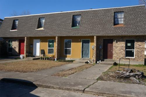 106 Barracks Street Photo 1