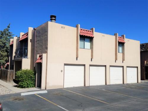 8333 Comanche Road NE Photo 1