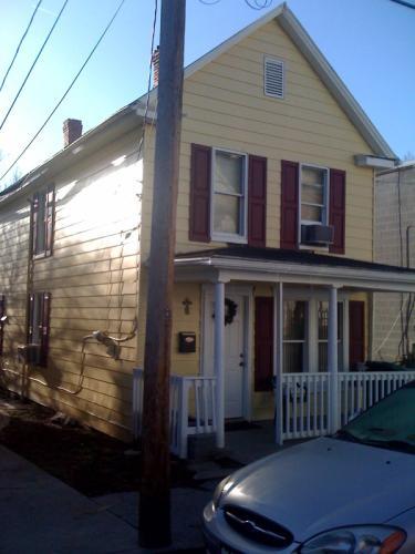 317 N Maple Ave Photo 1