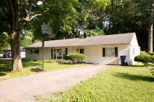 3737 Parkview Drive Photo 1