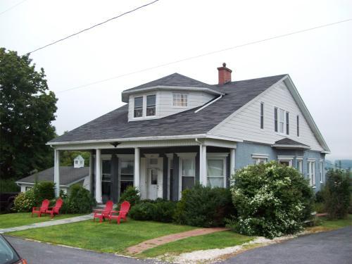 102 Wood Street - A- Main Level Photo 1
