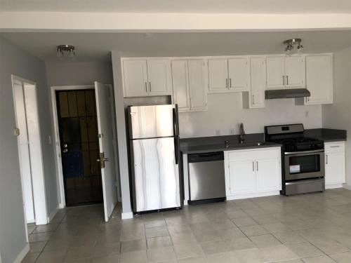 1623 S Gramercy Place #16 Photo 1