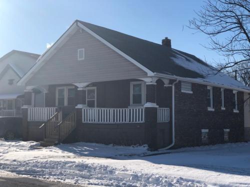 4304 Hickory Avenue Photo 1