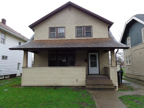 830 Lawndale Ave Photo 1