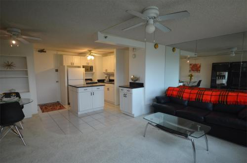 445 Seaside Avenue #802 Photo 1