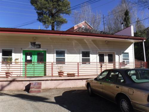 438 S Montezuma Street Photo 1