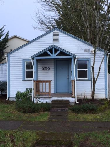 253 Gerth Street NW Photo 1