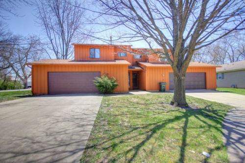 1701 Willow Court #A Photo 1