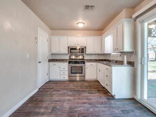 3117 SW 65th Place Photo 1