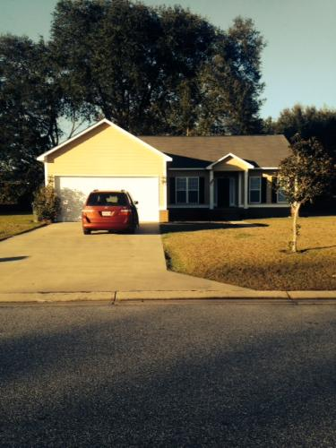 197 Hedgerow Drive Photo 1