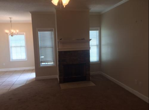 105 Mayfield Dr Photo 1
