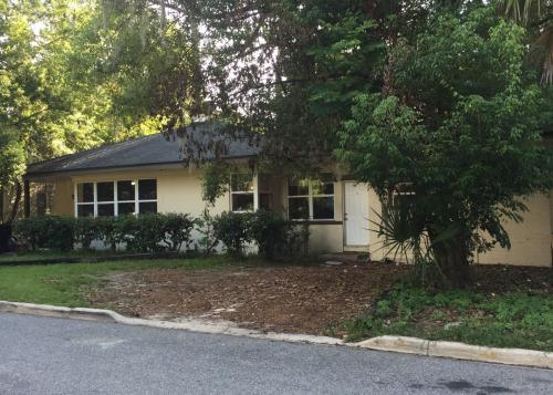 204 NW 20th Dr Photo 1