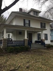 601 W Illinois Street Photo 1