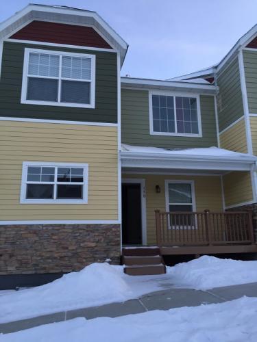 236 Fox Hills Drive Photo 1