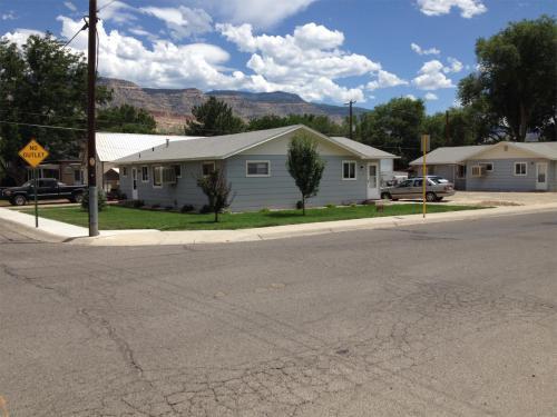103 E 4th Street #103 Photo 1