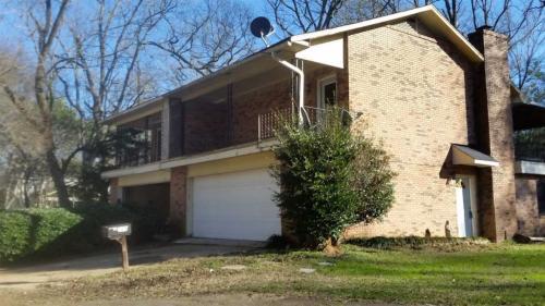 589 Woodland Hills Place #1 Photo 1
