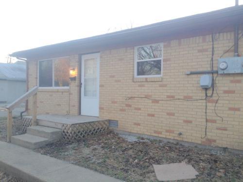 645 W Franklin St Photo 1