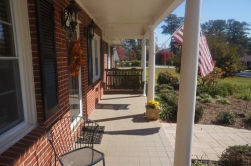 515 Concord Lane SE Photo 1