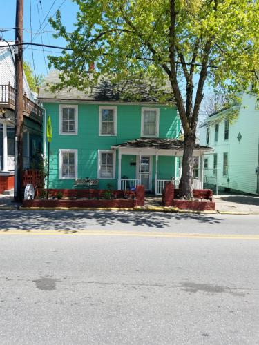 118 S Raleigh Street #A Photo 1
