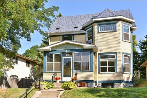 578 Winslow Avenue Photo 1