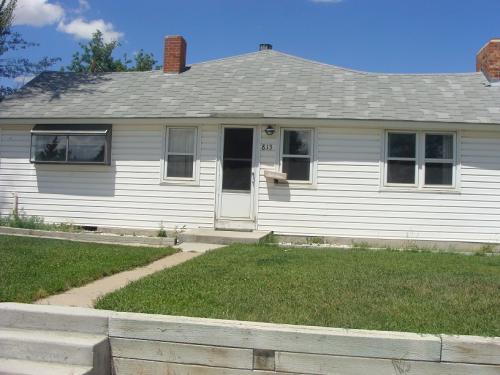 813 W Pine Street Photo 1