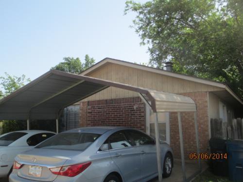 208 N Oaks Avenue Photo 1