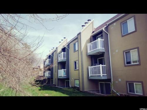 5600 Meadows Lane 217 #1 Photo 1