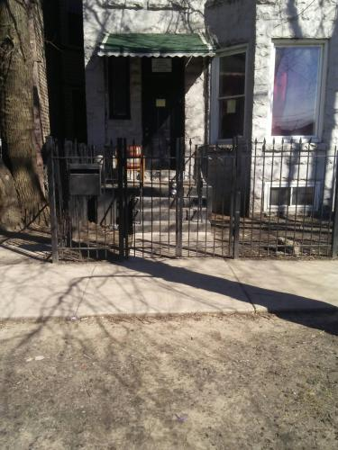6317 S Eberhart Avenue Photo 1