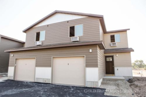 2070 Gold Ave Photo 1