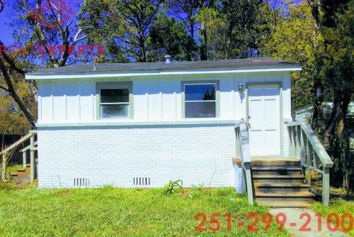 1302 Shore Acres Drive Photo 1