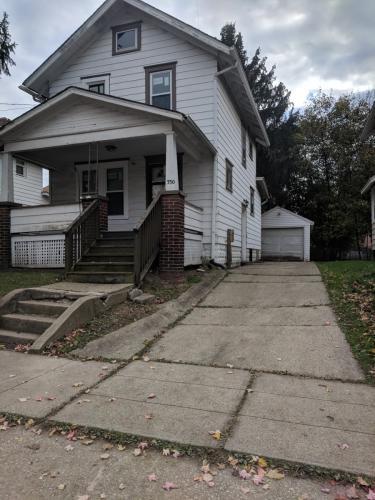 330 Cole Avenue Photo 1