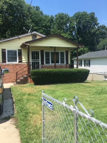 1229 Capitol Heights Blvd Photo 1