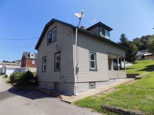 732 Delaware Ave Photo 1