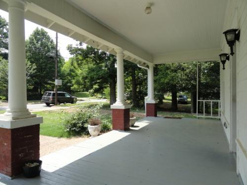 617 Howell Street Photo 1