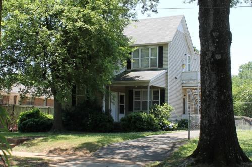813 N Wood Avenue #A Photo 1