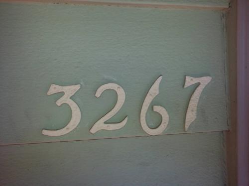 3267 Center St NE Photo 1