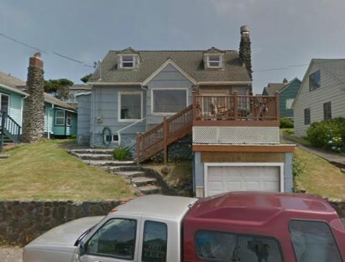 3252 SW Anchor Avenue Photo 1