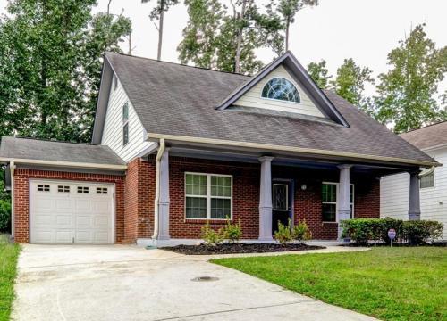 2725 Silver Hill Terrace SE Photo 1