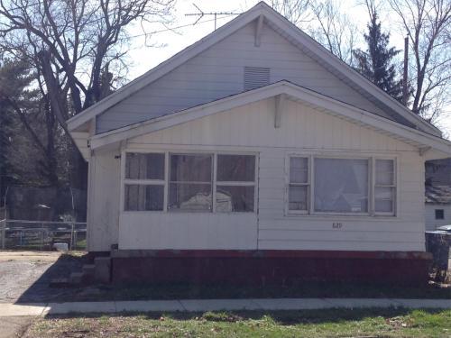 829 Park Street Photo 1