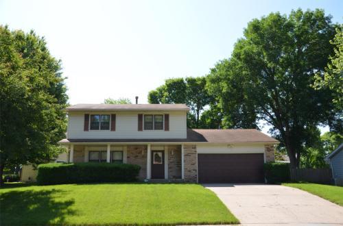 1061 Maplenol Drive Photo 1