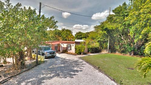 3823 Old Dixie Highway Photo 1