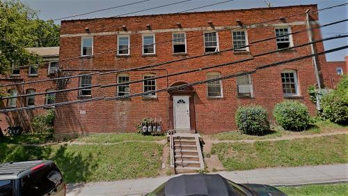 101 Wayne Place SE #2 Photo 1