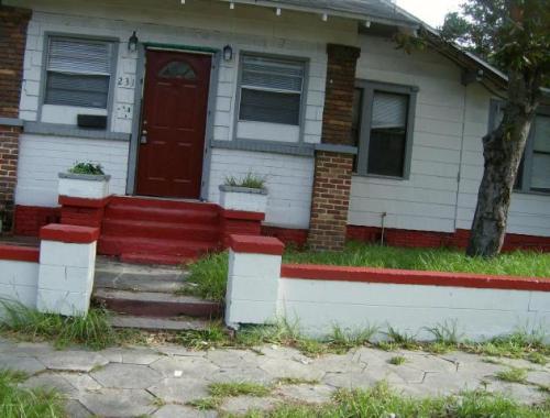 231 E 18th Street Photo 1