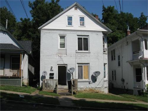 555 1/2 W 17th Street Photo 1