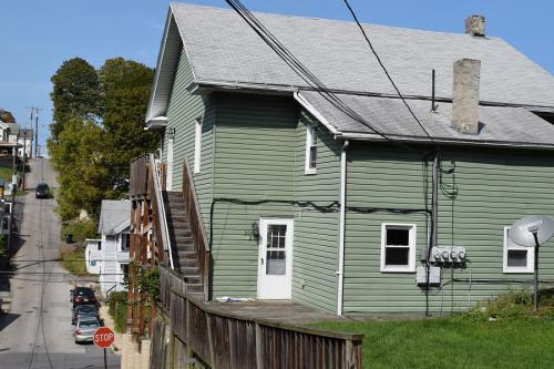 300 E Howard Street #2 Photo 1
