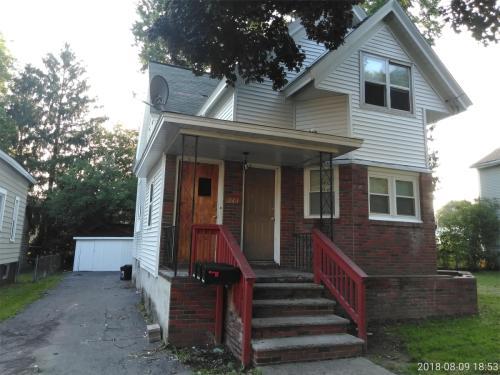 243 Grumbach Avenue Photo 1