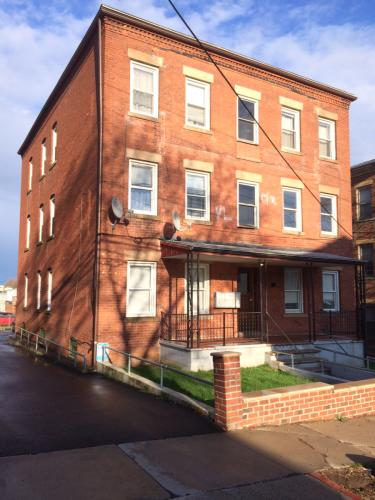 103 Gold Street #3B Photo 1